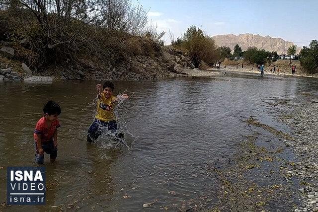 ویدئو / افزایش خروجی آب سد زاینده رود برای آبیاری باغات